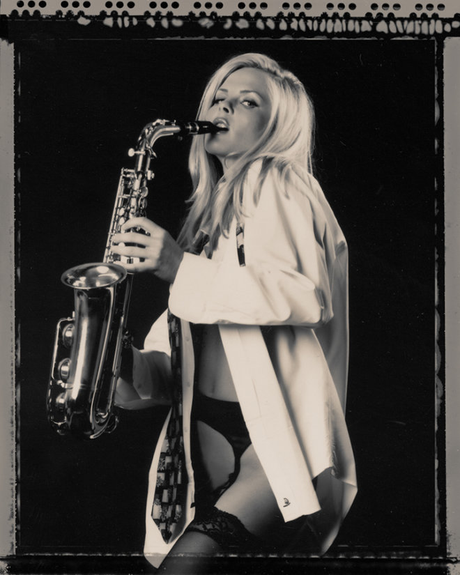 LoriMannPhotography-blackwhite-boudoir